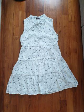White flora dress