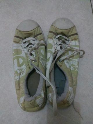 #mauthr Sepatu Kets wanita nyaman untuk lari atau sekolah