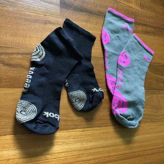 🚚 Reebok sock