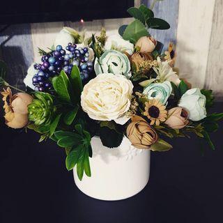 🚚 Pastel Artificial Flower Bouquet