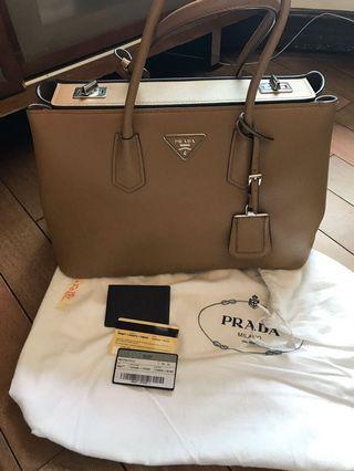Prada Bag (100% real & new)