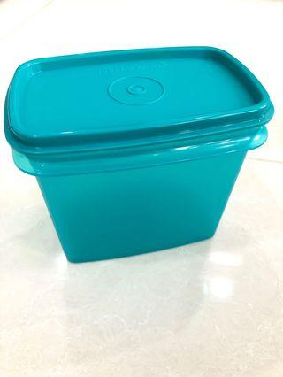 🚚 Tupperware Container - Rectangle