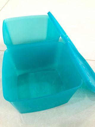 🚚 Tupperware Container - Square