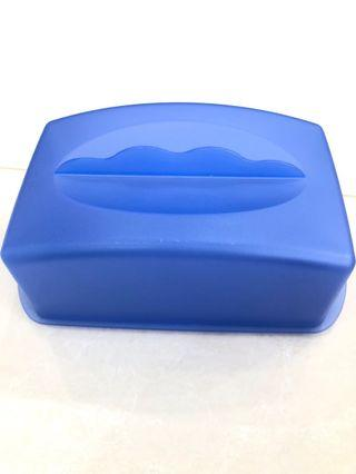 🚚 Tupperware cake Container