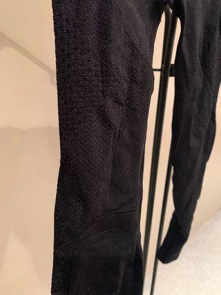 Cotton On Body Leggings - size S