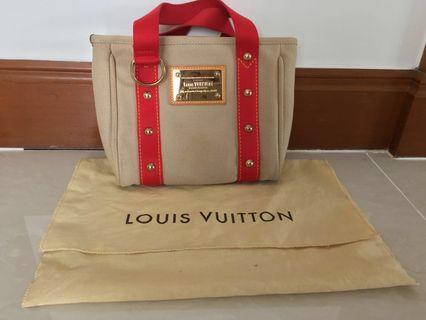 Louis Vuitton Bag (Authentic)