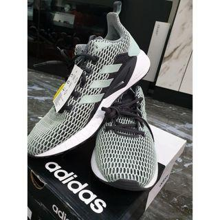 BRAND NEW adidas Questar CC
