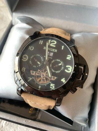 軍裝機械錶