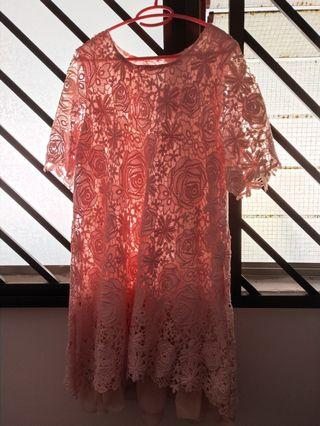 🚚 Pink flowery dress