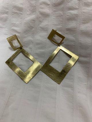 🚚 Brass earrings