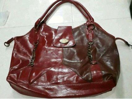 Tas Merah Marun