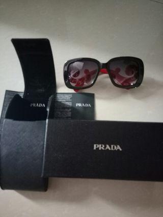 Prada Sunglasses Premium