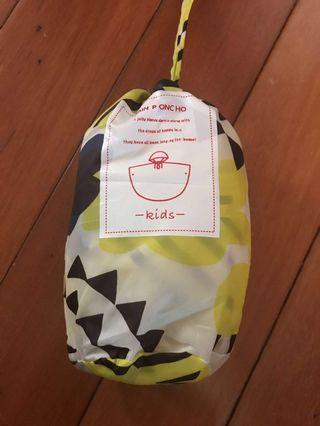 Kids raincoat 140