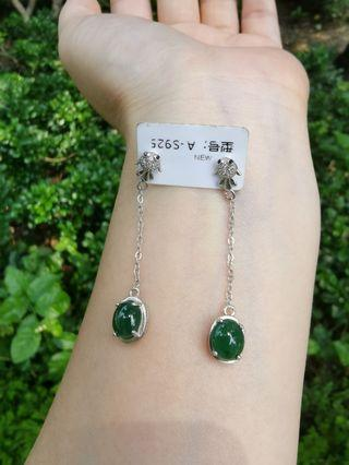 糯种浓绿翡翠银镶耳环