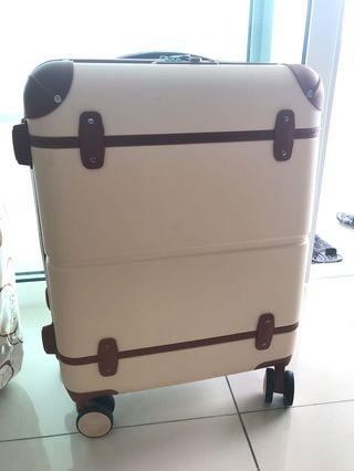 "Barry Smith 20"" luggage (Beige)"