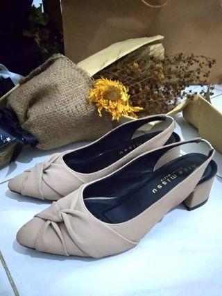 Sepatu Hak Tinggi Wanita Krem Pita - Cream Heels