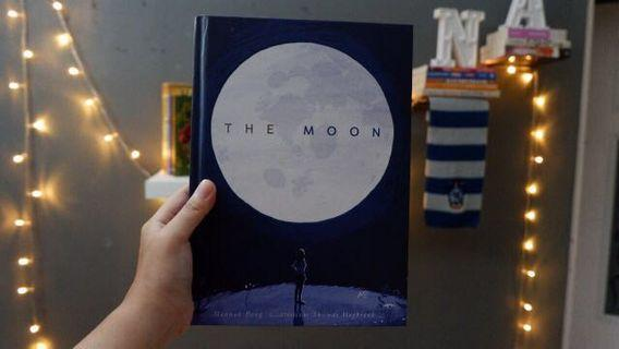 The Moon by Hannah Pang