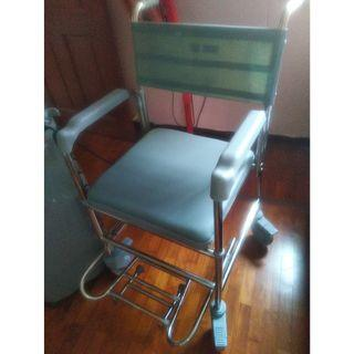 Handicap chair for bathroom use