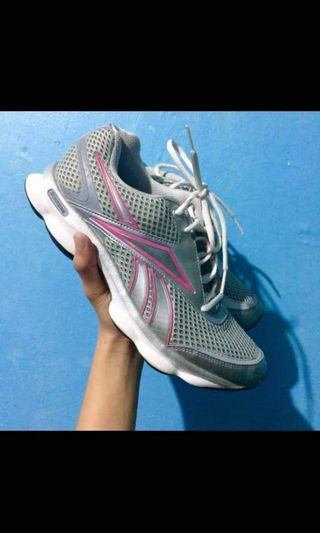 competitive price eb1c1 72474 running shoes size 8.5   Men s Fashion   Carousell Philippines
