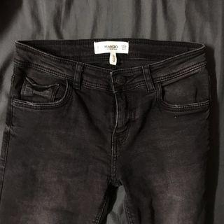 🚚 Mango黑色牛仔長褲