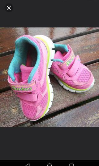 Skechers sport shoes for girl