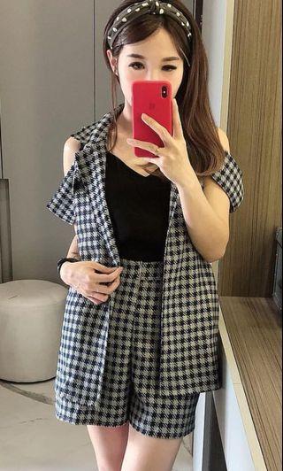Checkered sabrina vest, atasan nya Aja