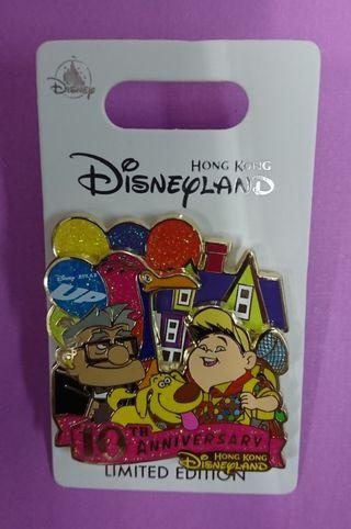 香港迪士尼樂園Hong kong Disney Pin,最新徽章襟章UP 10週年紀念Pin