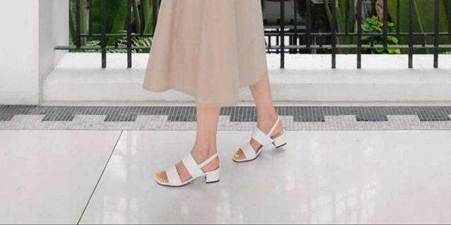 韓國製 白色涼鞋 Korean White Sandals 夏日清涼清純清新粗跟中跟粗帶包踭拖鞋