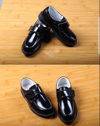 男童黑色皮鞋