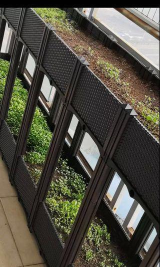 Balcony Garden basket or pots - extendable