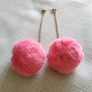 Anting Pompom