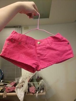 🚚 螢光粉紅短褲m