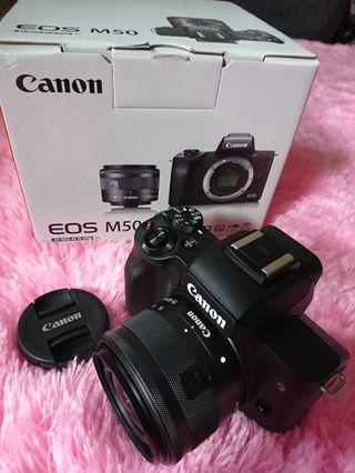 Kamera canon eos M50