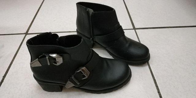 皮鞋.尺碼23