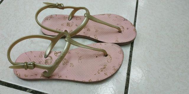 NET夾角涼鞋.尺碼23~23.5