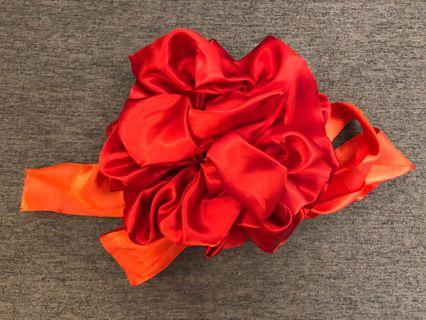 中size紅色欄門花球