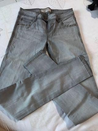 Celana jeans abu abu