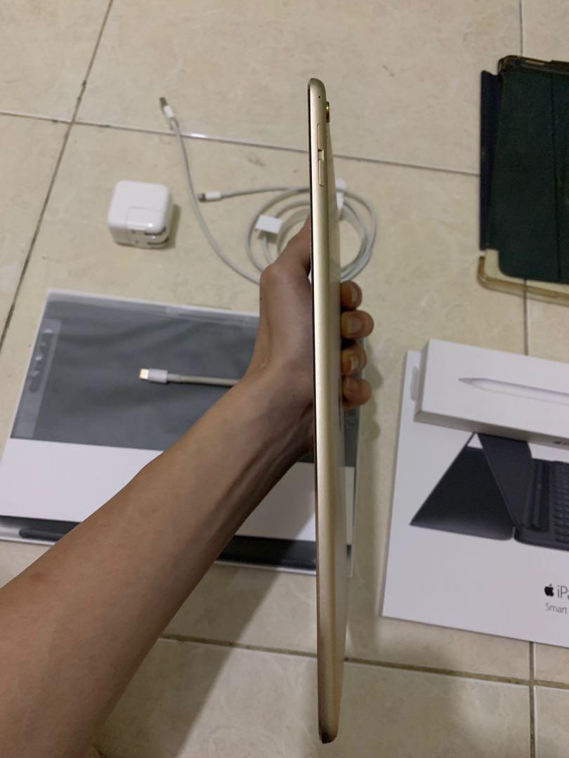 Apple Ipad Pro 9.7 Bonus smart keyboard, HDMI kabel, pencil