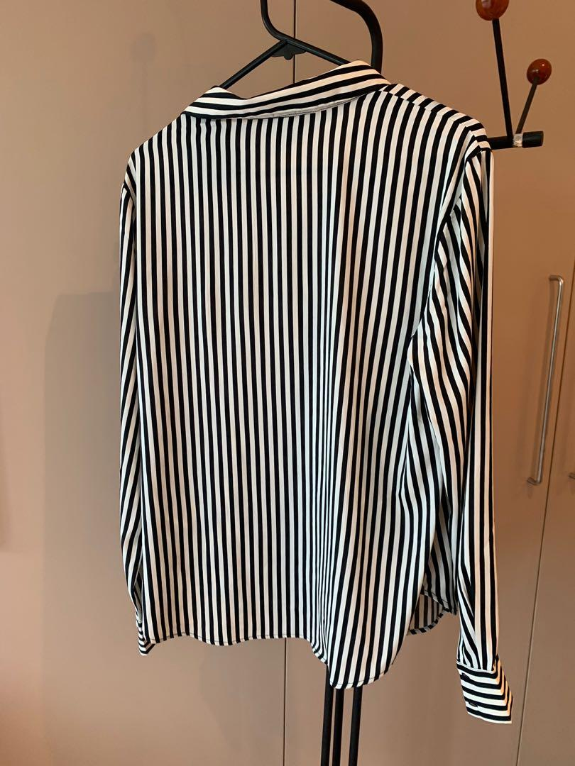 Brand New, Never Worn H&M striped button down - size 10