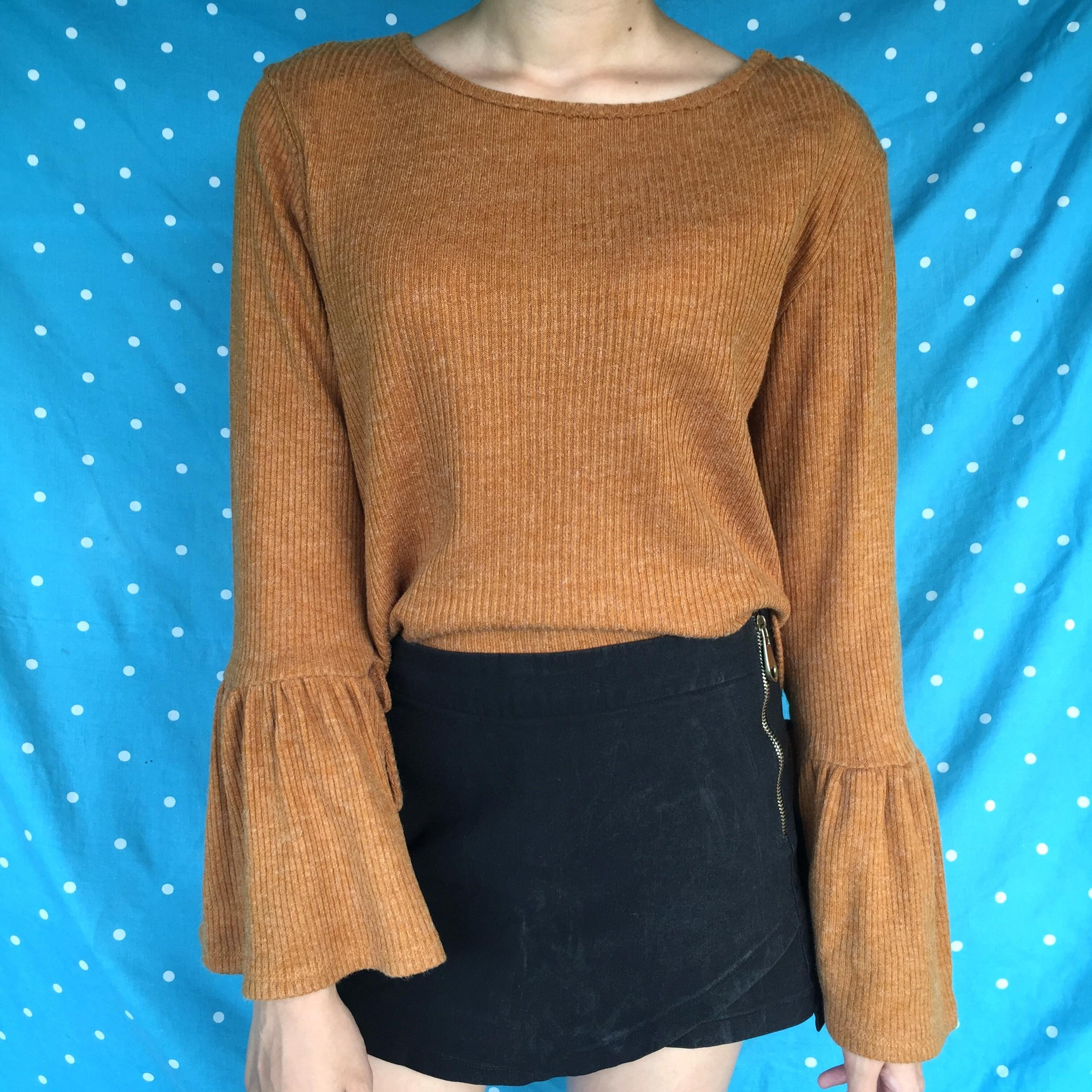 Cloth Inc Brown Knitted Crop Top