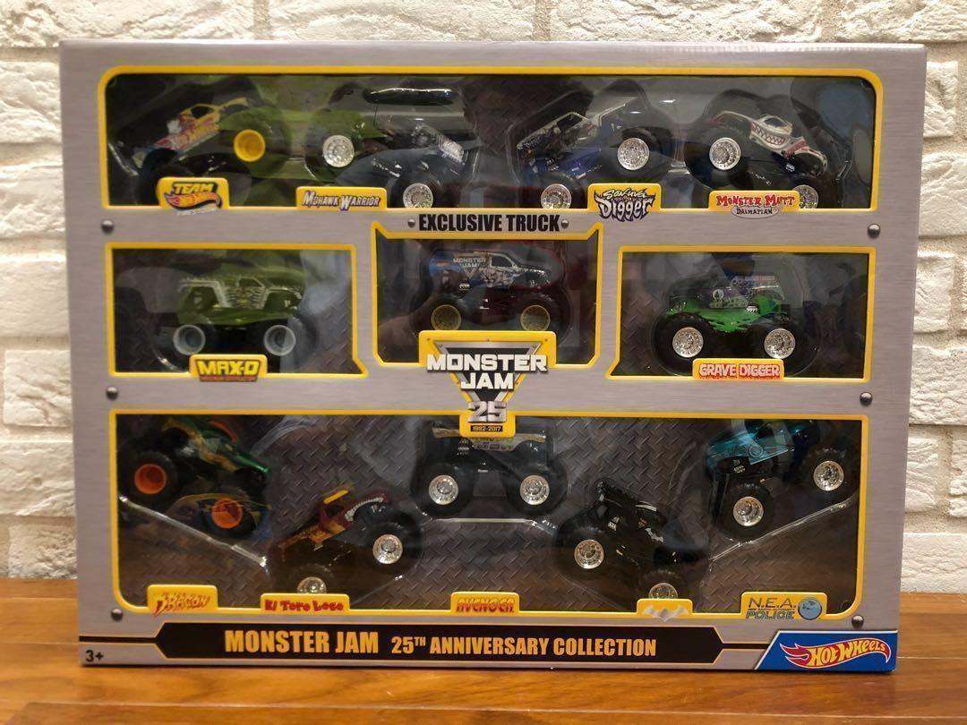 Last Set Hot Wheels Monster Jam 12 Trucks Set 25th Anniversary Set 1 64 Grave Digger Dragon Max D Toys Games Others On Carousell