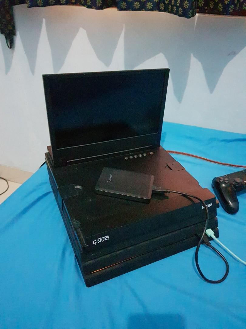 Jual PS4 PRO 1TB + monitor portable + Hard disk external 1TB + 2 stick originals + 40 game digital ! #BAPAU