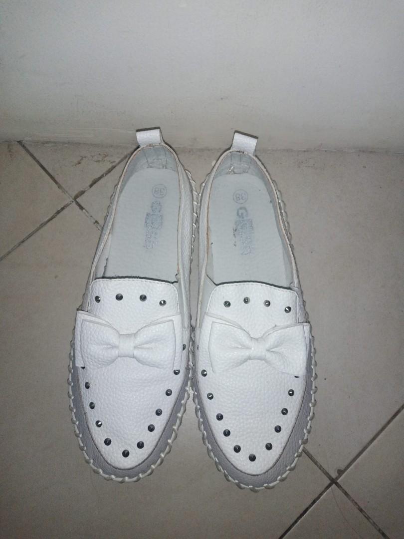 Jual sepatu gosh preloved