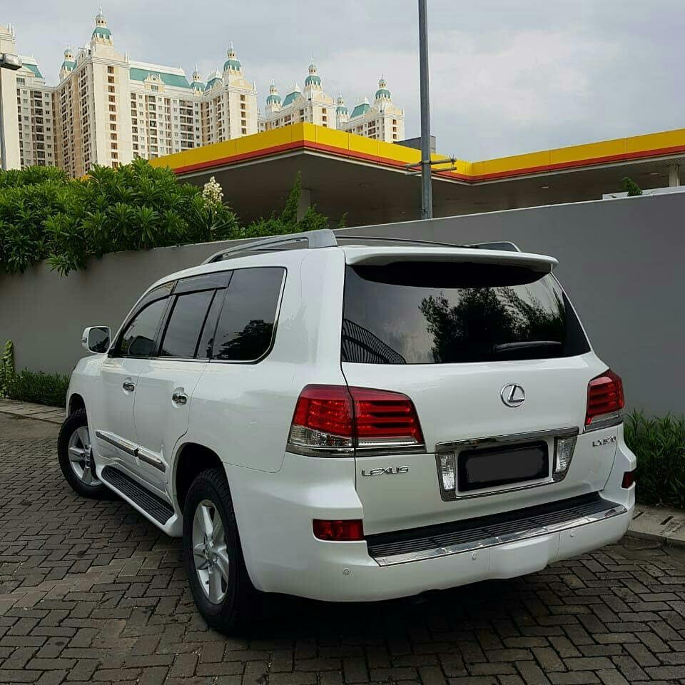 #BAPAU LX570 Luxury 2013 bulan 9 putih dalam hitam plat L km 55rb record auto 2000 sby harga 1.435 nego   LX570 luxury 2013 bulan 3 panjang hitam dalam beige km 61rb record lexus mampang harga 1.460 nego
