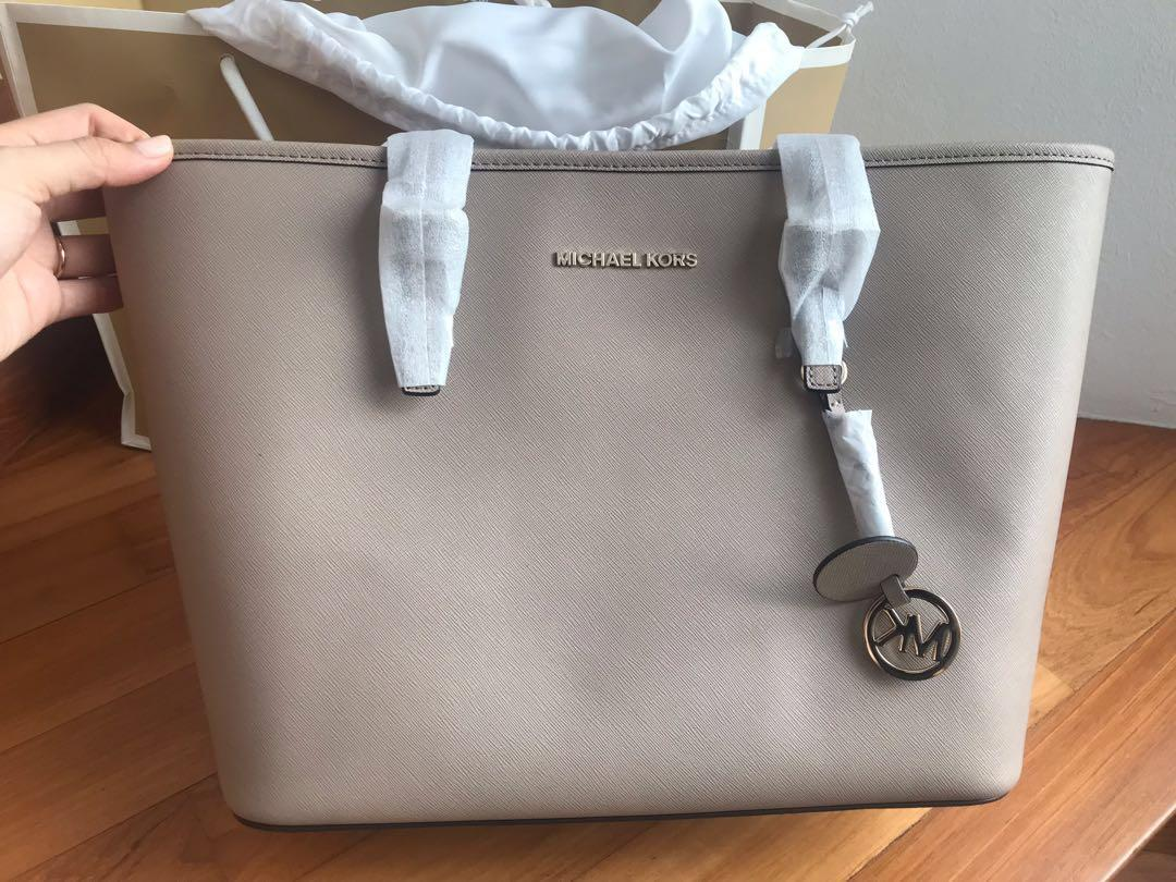 NEW MICHAEL KORS BAG $200
