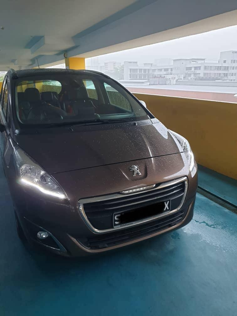 Peugeot 5008 diesel mpv for rent ( Grab & Gojek ready)