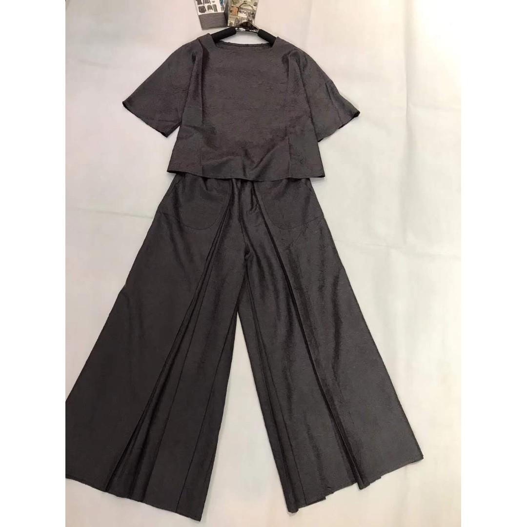 Hanakoa Pleat Blouse and Culottes Set. Premium. Free Size
