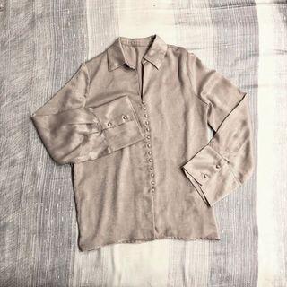 🚚 正韓🇰🇷 光澤感珠扣長袖衫