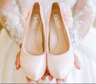 Wedding Shoes used once. Good as new. Original Price 5,500 nt bought at taipei.