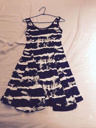 🚚 黑白洋裝